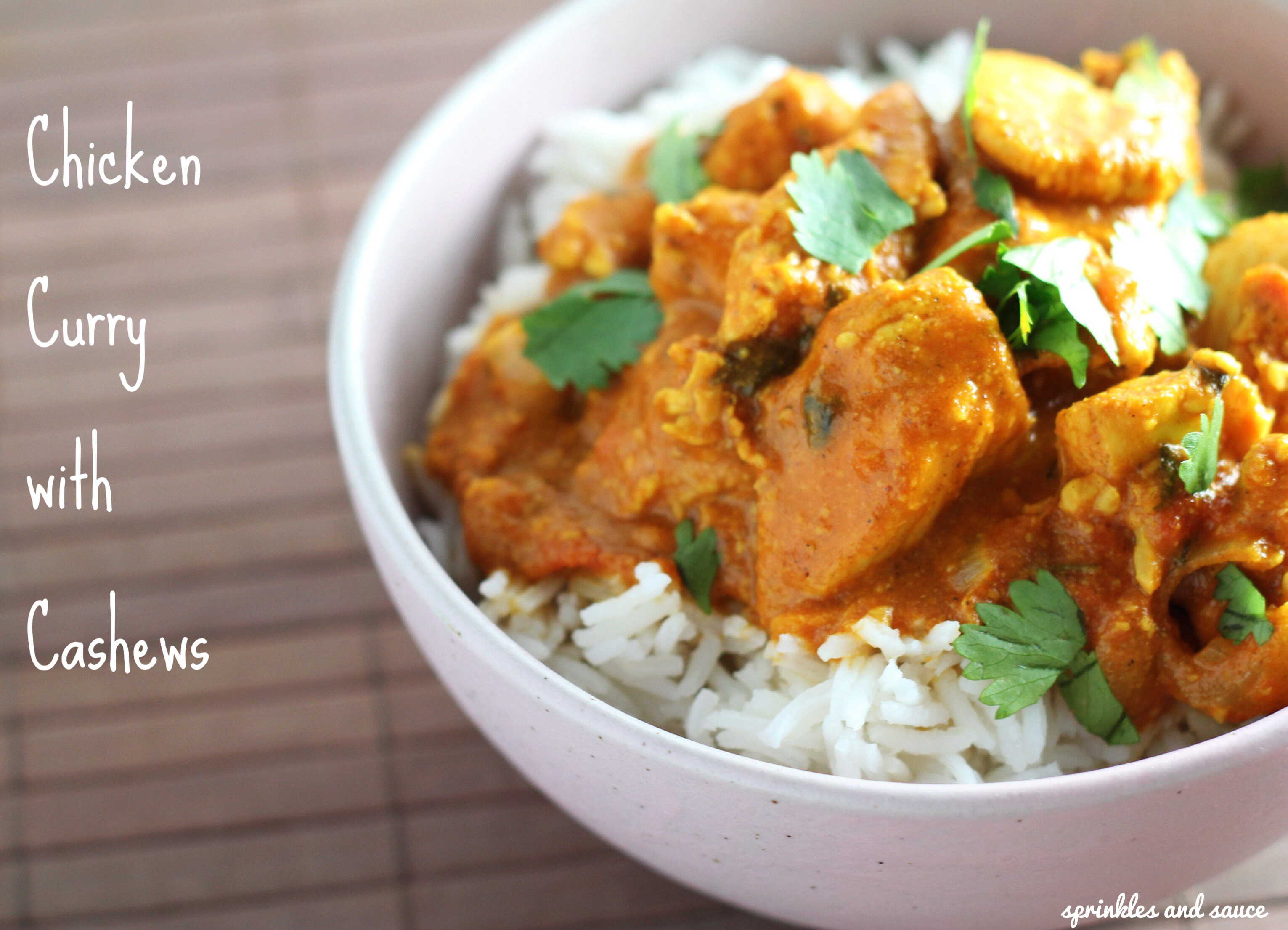Chicken curry with cashews sprinkles and sauce - Marinade poulet curry barbecue ...